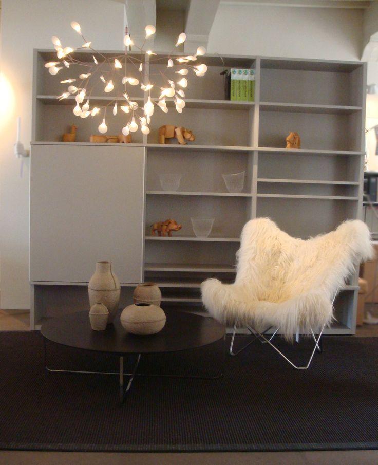 Mariposa chair , Flint table, Paper pulps, Wooden Animals, Heracleum Light http://www.designaanbiedingen.nl