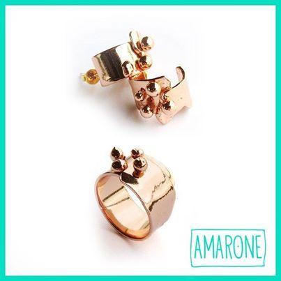 Para las que les encanta combinar, estos lindos aretes con su anillo, te harán lucir clásica y sofisticada al mismo tiempo. #AmaroneJewels #BuenGusto