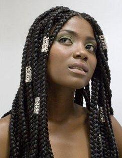 Tresses africaine réalisé avec des rajouts .