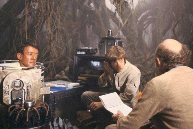 Kenny Baker, Mark Hamill & Irvin Kershner on the set of #StarWars Episode V The Empire Strikes Back (1980)