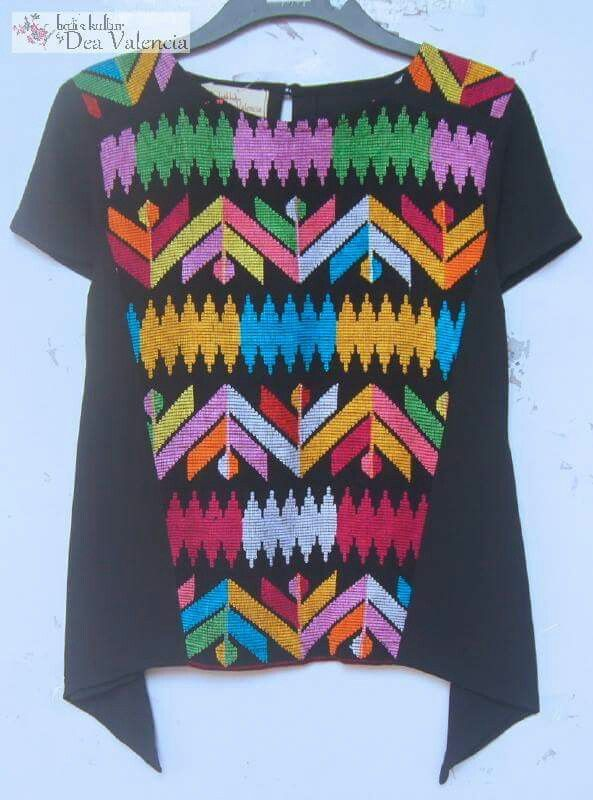 Loose top with tenun Bima by Batik Kultur Dea Valencia