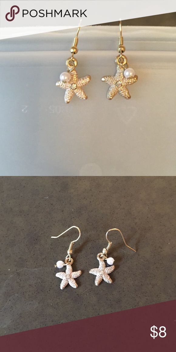 🔵 faux pearl and rhinestone starfish earrings Very pretty and dainty starfish earrings with a tiny faux pearl bead and rhinestone in the center. Hooks are a soft gold color and are lead and nickel free.  Blue dot 🔵 sale: one item for $8, two items for $12 or three for $15. Jewelry Earrings