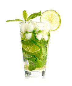 Procurando uma opção de drink sem álcool para servir na sua festa? Essa versão de mojito é liberado para grávidas. Experimente!