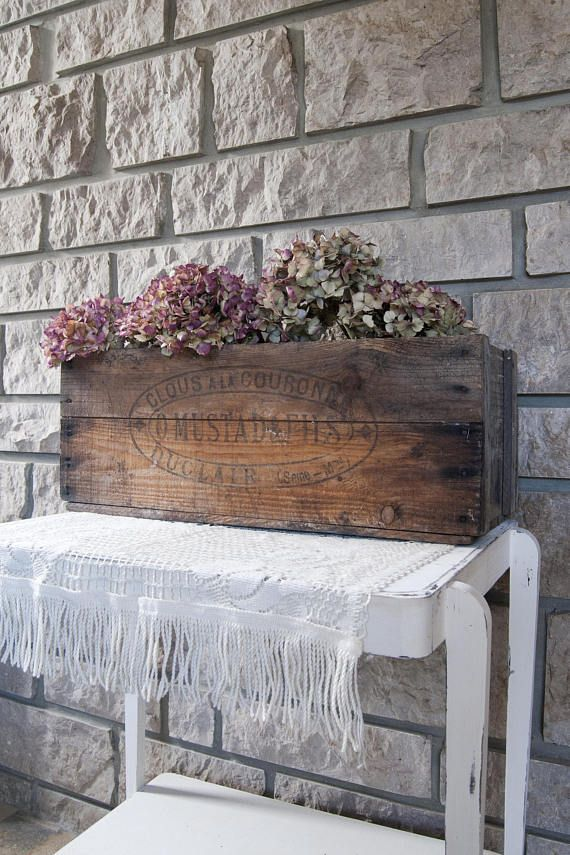 Vintage large wooden crate. Box coming from a stud factory O.Mustad & Fils, located in Duclair (Seine Maritime, France). Perfect rustic accessory for country wedding in a barn! #vintage #vintagehomedecor #vintagedecor #rusticdecor #rusticwedding #countrywedding #barnwedding #weddingaccessories #used #distressed #storage #antiques