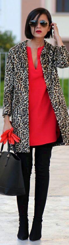 Vestido, pitillo y abrigo