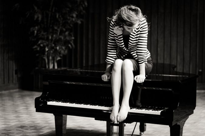Hmmm.... // piano senior pictures