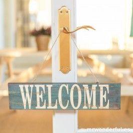 Letrero de madera azul - Welcome