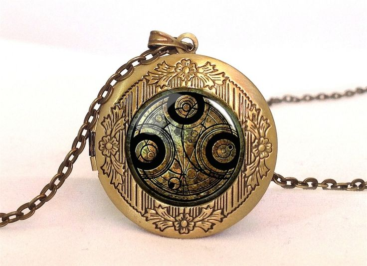 Doctor Who Time lord seal Locket, 0532LPB from EgginEgg by DaWanda.com