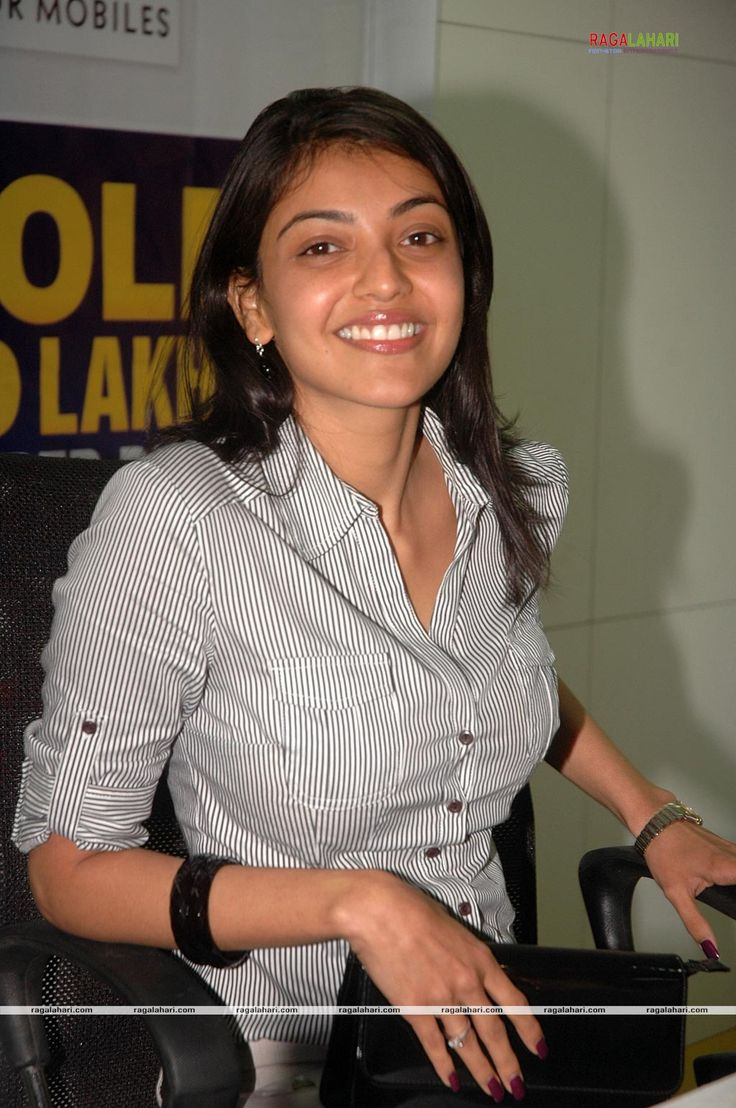 Kajal Agarwal Bra | Thread: KaJaL AGARWAL BENDS TO SHΩW HER BRA & TEMPTING BOOBS