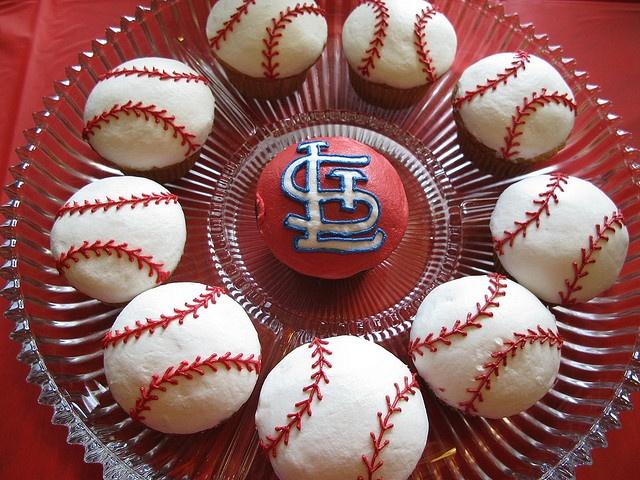 Play Ball (cupcakes)