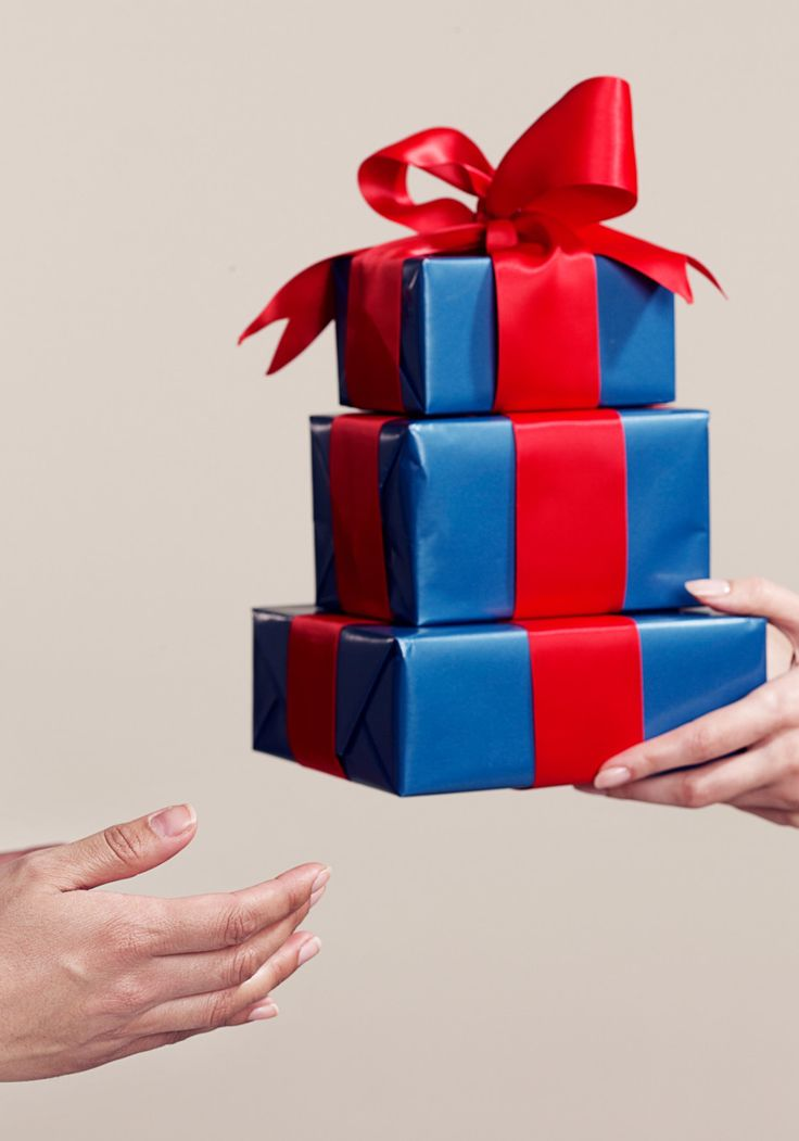 "Financial Gifts that Are Better than Cash || Instead of the typical card with cash in it, this holiday season pique their ""interest' rate with thoughtful, forward-thinking gifts that pay in more ways than one."