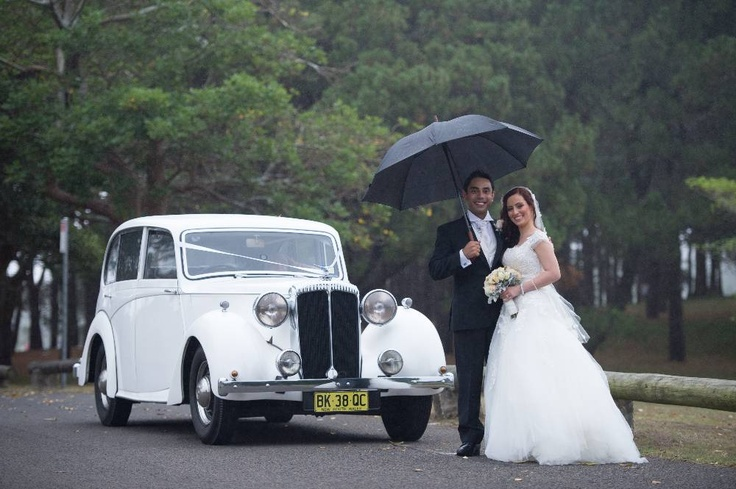 Dolly, our classic wedding car and the happy couple!