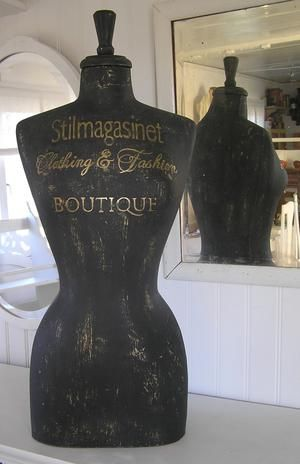 Handpainted dressform to the shop Stilmagasinet