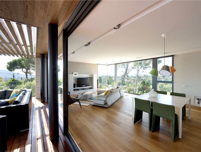 functional-modern-dwelling-dining-area