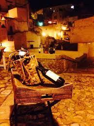 Primitivo di Matera: si perchè il primitivo non è solo quello di Manduria, anche nella città dei Sassi si coltiva e si vinifica il primitivo. Gran corpo e alcolicità sostenuta, vino più morbido e rotondo rispetto all'aglianico del vulture.