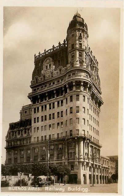 1910 - Paseo de Julio. Oficina Ferrocarriles privados. Buenos Aires
