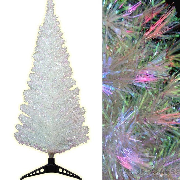 Künstlicher Weihnachtsbaum in edlem Weiss. LED Tannenbaum Christbaum Glasfaser