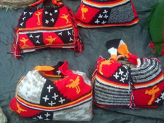 Highlands bilums by TradProd on Etsy, $85.00