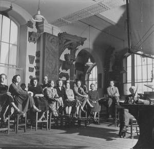 Sir Albert Richardson PRA lecturing in the Royal Academy Schools, 1953: classic photos at the RA now
