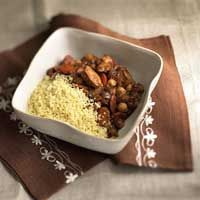 Saucy Chicken with Garbanzo BeansChicken Dinners, Chicken Recipes, Beans Recipe, Wheat Couscous, Distinctive Flavored, Dinner Meals, Saucy Chicken, Combinations Vegetables, Garbanzo Beans