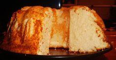 Bolo dos Anjos ou Angel cake, esse bolo é leve e não leva gemas, ele é feito somente com as claras dos ovos.