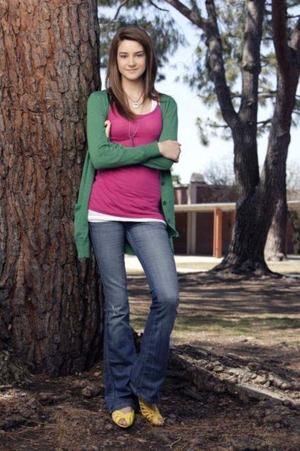 Dans La Vie secrète d'une ado (2008-2012), elle campe une lycéenne qui va tomber enceinte