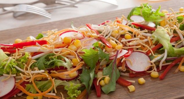 Add a little CRUNCH to your lunch! This Crispy Noodle Salad is full of fresh Asian flavours.
