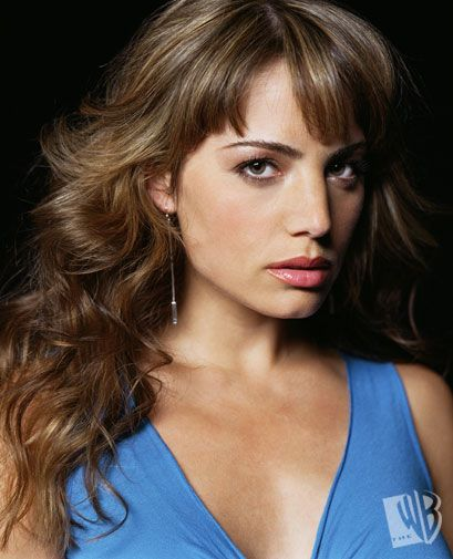 Erica Durance, the second Lois Lane I've met, very nice