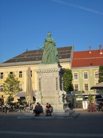 Neuer Platz, Klagenfurt: See 14 reviews, articles, and 11 photos of Neuer Platz, ranked No.10 on TripAdvisor among 70 attractions in Klagenfurt.