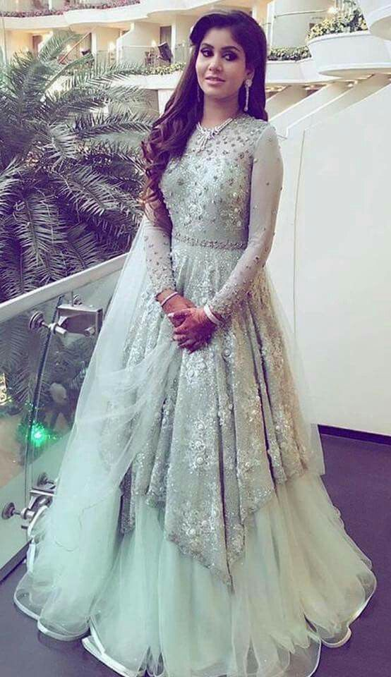 it could be wore on sangeet or reception