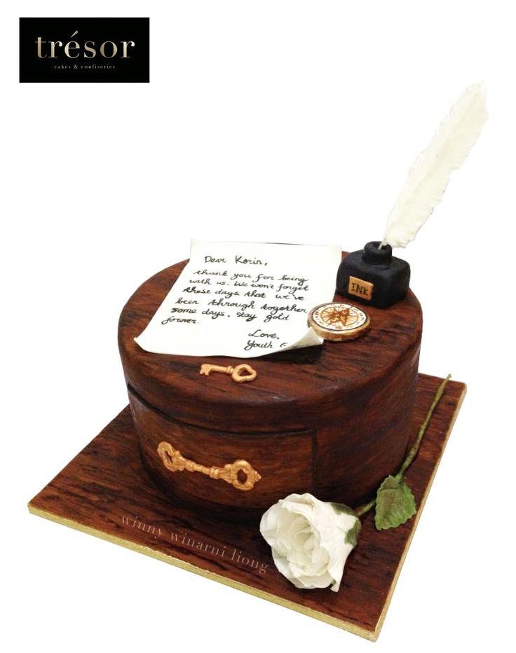 Vintage wooden drawer cake