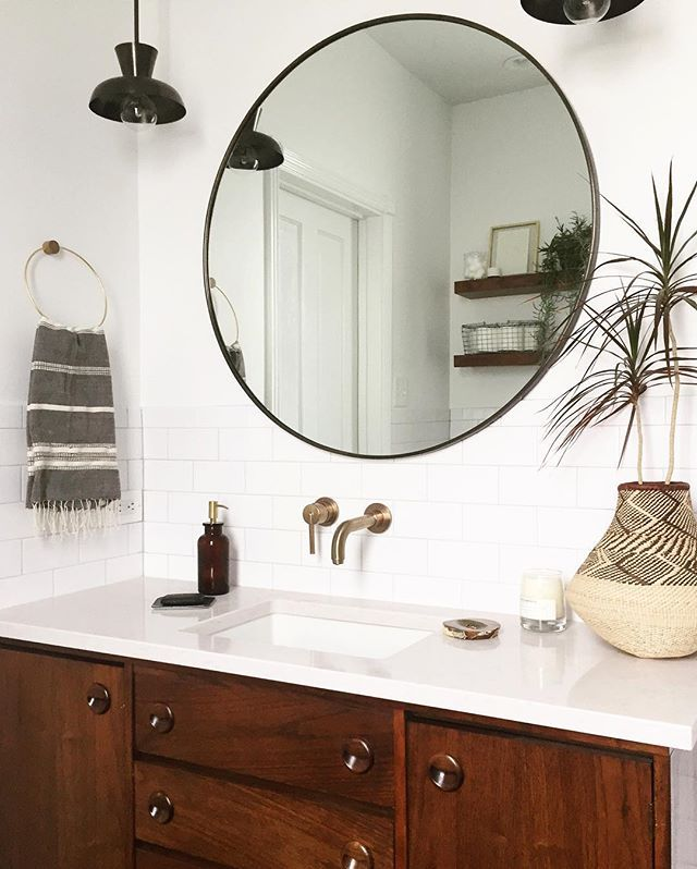 One more #sneakpeak from yesterday's shoot because I can't resist...our #washparkbathroomreno is officially complete!! http://liketk.it/2qjtj @liketoknow.it #liketkit
