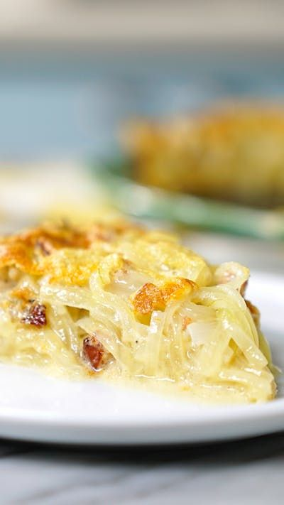 Que tal preparar uma torta de cebola linda e saborosa de lanche da tarde?