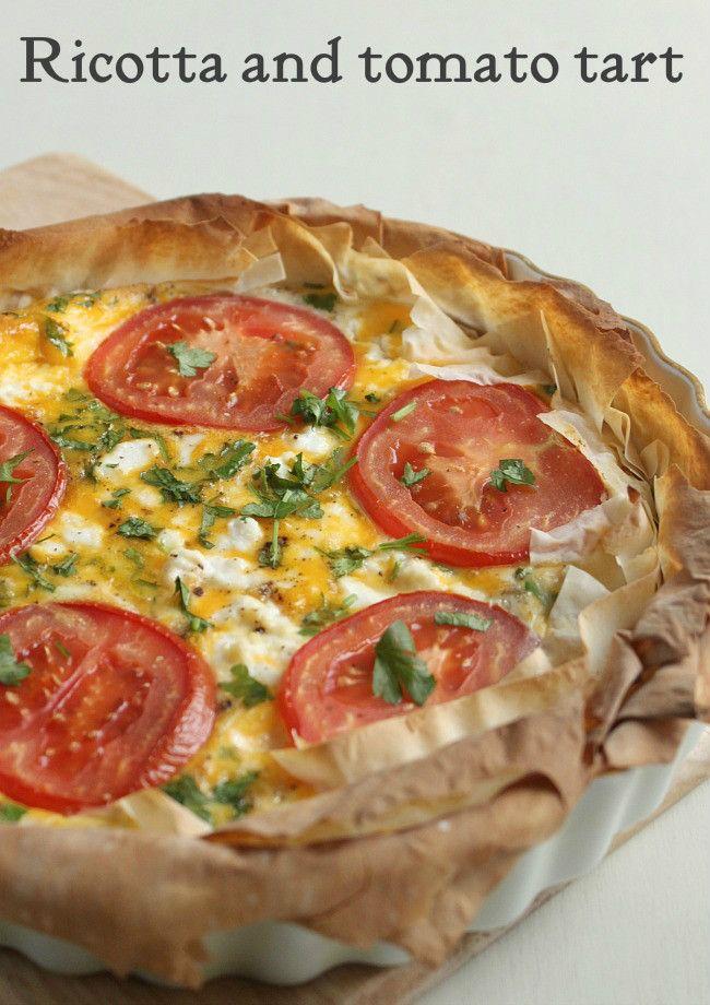 Ricotta and tomato tart - simple to make, looks elegant, tastes amazing! The ricotta keeps the eggs nice and fluffy! #vegetarian