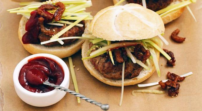 Hamburger d'anatra e salsa Hoisin