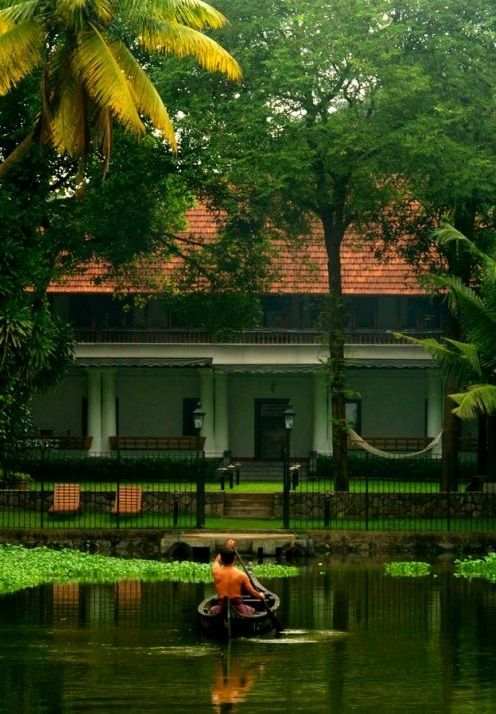 Chittoor Kottaram, Kochi: You get to stay exclusively in the erstwhile palace of the #Cochin Rajah.   Arrive here by boat just like they did in days gone by and bask in the services of a personal retinue. Spend the day barefoot in your palace, relish the vegetarian cuisine, enjoy an #ayurveda massage and even royal command an art performance of your choice. (image: cgh earth)