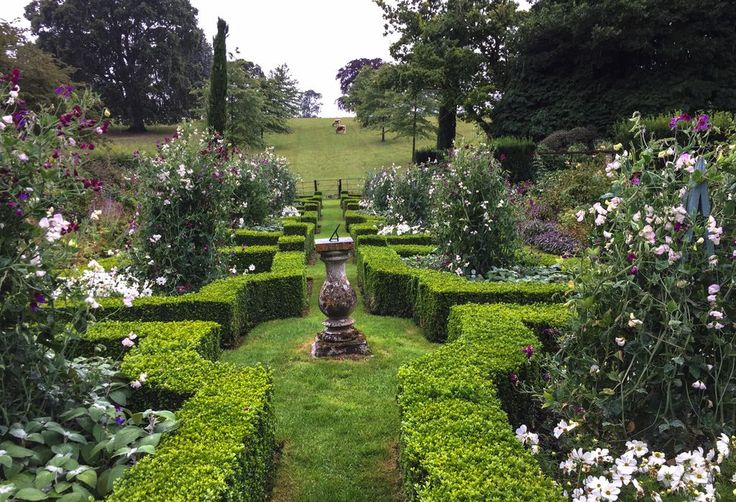 Prinz Charles über die Schulter schauen - Gartenreise nach England: Mehr als 20 private Gärten stehen heuer auf dem Programm. Mehr dazu hier: http://www.nachrichten.at/freizeit/haus_garten/Prinz-Charles-ueber-die-Schulter-schauen;art123,2020286 (Bild: plo)