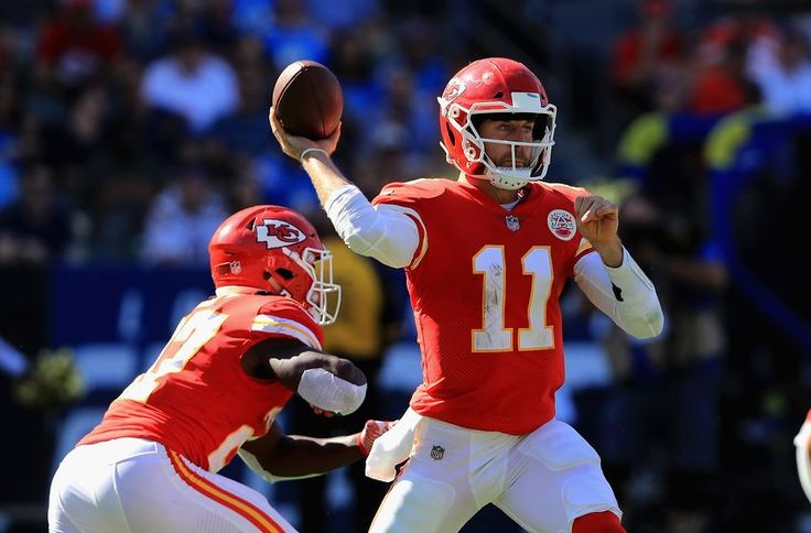 Locked On Chiefs: Kareem Hunt continues to dominate the NFL = Running back Kareem Hunt continues to be one of the best players on the Chiefs offense. His 172 rushing yards and game ending 69-yard TD run put.....