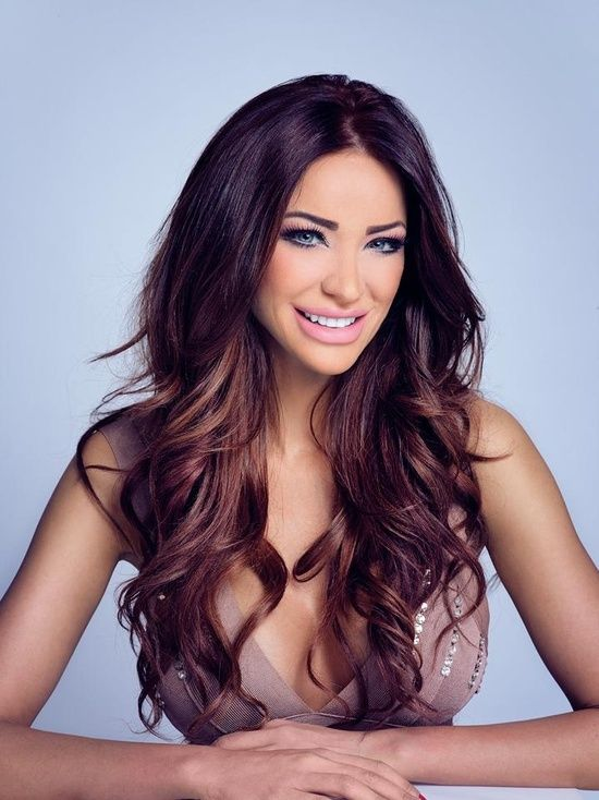 beautiful wavy ombre hair style and sweet smile....I think this is my next hair! ! Totally love this!