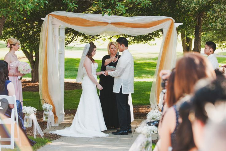 Early Summer Outdoor Wedding @ Stonebridge Golf Club in Ann Arbor, MI // Photo Credit: Tide and Velvet — Lifestyle Wedding Photography