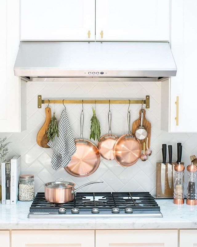 If you overindulged in a little too much and this weekend (no judgement), we're sharing 20 easy things you can do to improve your health, almost immediately. #5? Make a meal plan. --> link in profile || photo via @crateandbarrel