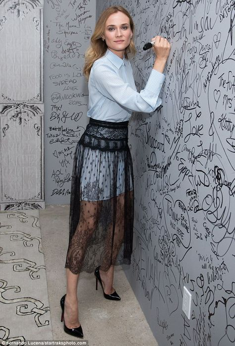 Idea: falda de tul transparente sobre un vestido de otro color.