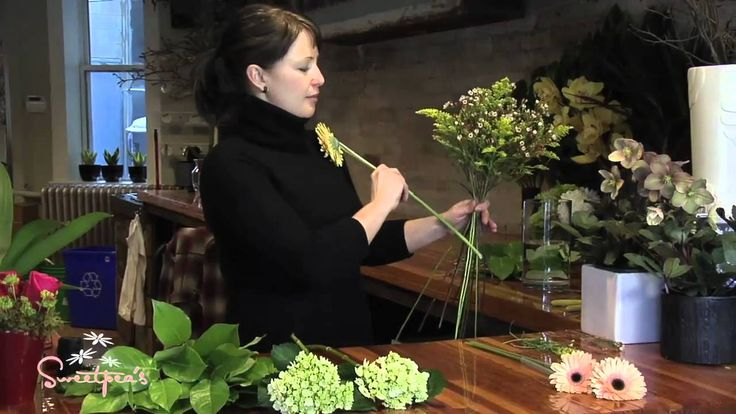 Sweetpea's :: Creating a European Hand-tied Bouquet ..   using waxed thread over large leaves