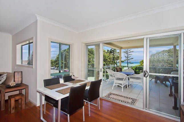 @ THE BEACH HOUSE 5 bedrooms, a Kingscliff House | Stayz