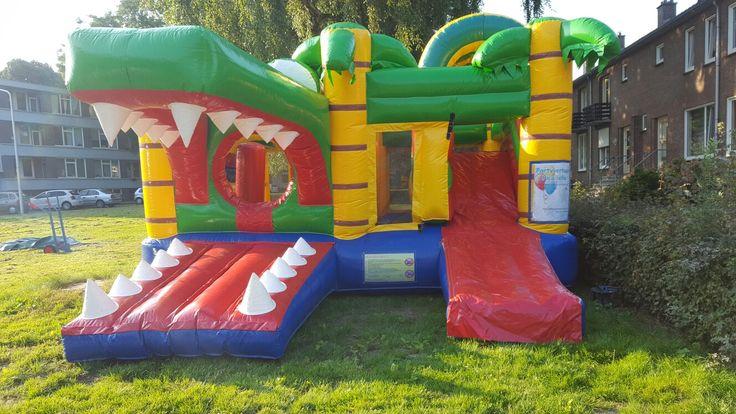 Vandaag met dit heerlijk weer Springkussen Krokdil voor de kinderen   http://www.partyverhuurpicobello.nl/producten/springkussens/10-krokodil.html