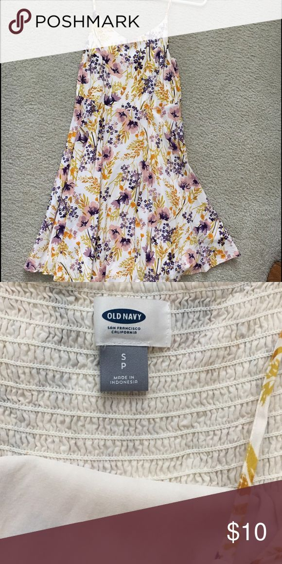 Women's Old Navy floral dress, size small Only worn once, dresses are not my thing! Cute floral print, flowy a-line. Old Navy size small. Old Navy Dresses Strapless