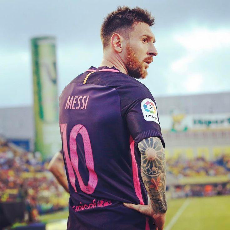 "27.7k Likes, 169 Comments - FC Barcelona (@fcbarcelona) on Instagram: "" @leomessi  #igersFCB #FCBarcelona"""