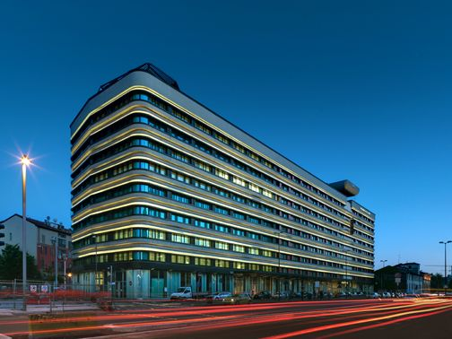 """The new Office Building """"GioiaOtto"""" in Milan, Italy. By Park Associati"""