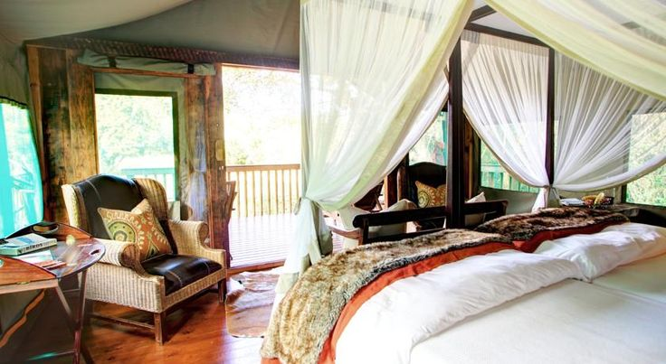 South Africa - Situated between the Outeniqua Mountains and the beaches of the Indian Ocean, in Mossel Bay, Botlierskop Private Game offers elegant accommodation.