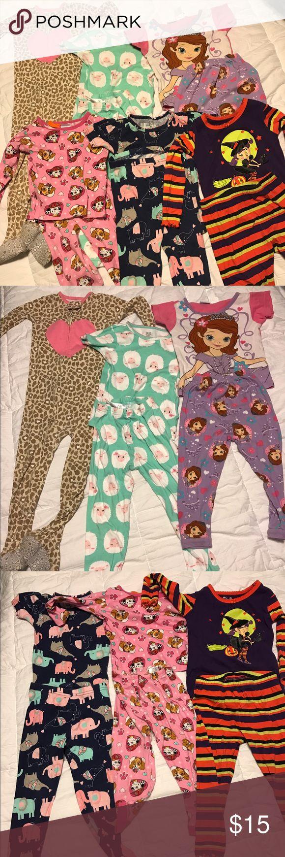 6 piece 3T girls pj set 6 pajamas, 3T girls, paw patrol and Sofia among others. Good condition. Pajamas Pajama Sets